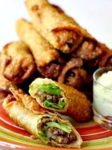 taco egg rolls with sauce