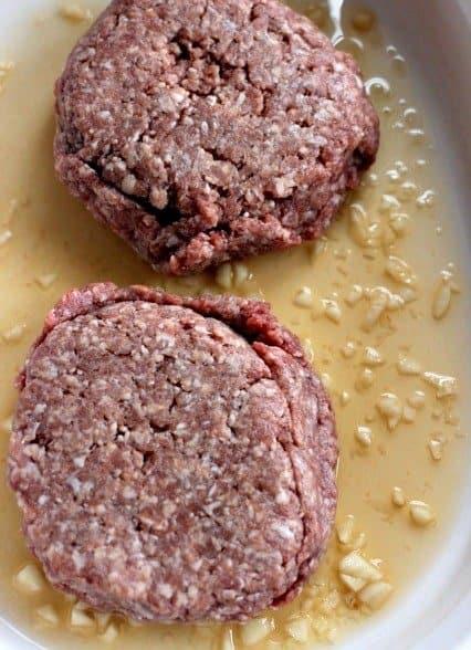 burgers marinating