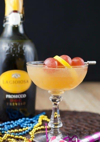 sparkling-grape-cocktail-1-680x1020
