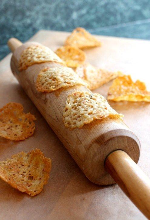 low-carb-cheese-crisp-nachos-rollingpin