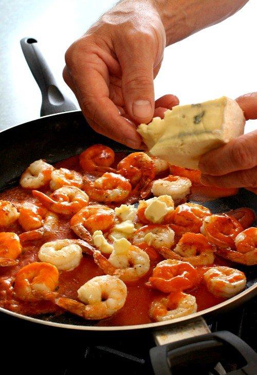 buffalo-shrimp-polenta-skillet