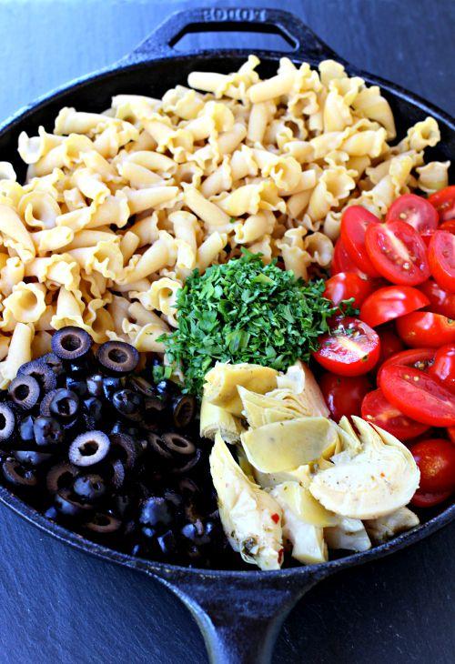 artichoke-presto-pasta-skillet