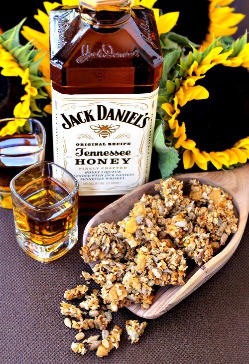 sunflower-whiskey-granola-top