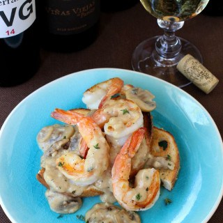 Shrimp Toast with Creamy Wine Sauce