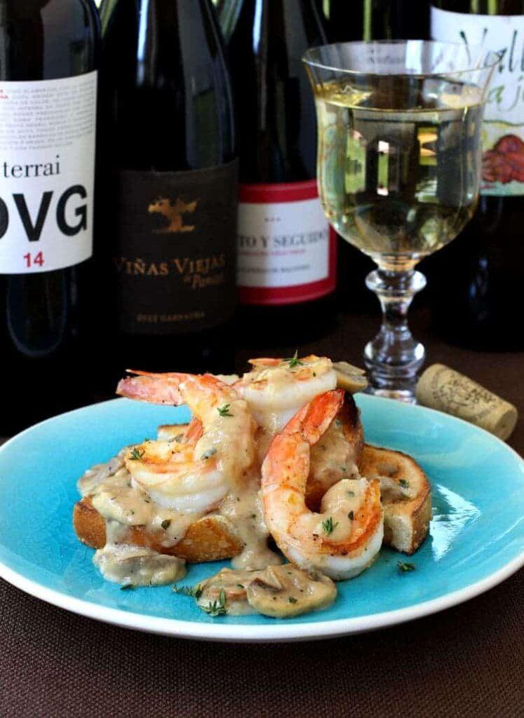 Shrimp Toast with Cream Sauce with wine