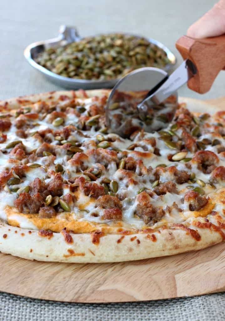 spicy-sausage-pumpkin-pizza-cut