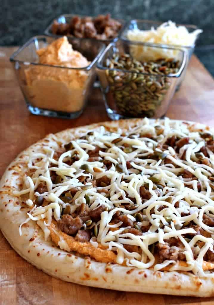 spicy-sausage-pumpkin-pizza-toppings