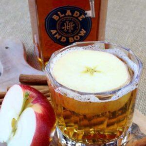 Big Apple Bourbon Cocktail Recipe | Easy Bourbon Party Drink
