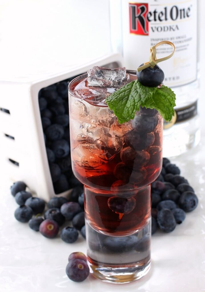 blueberry-vodka-cooler-feature