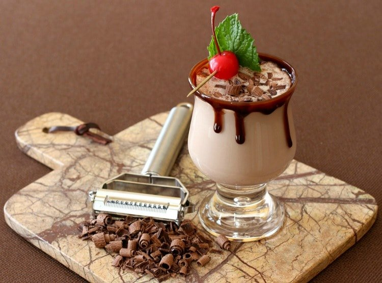 rumchata-chocolate-horiz-man