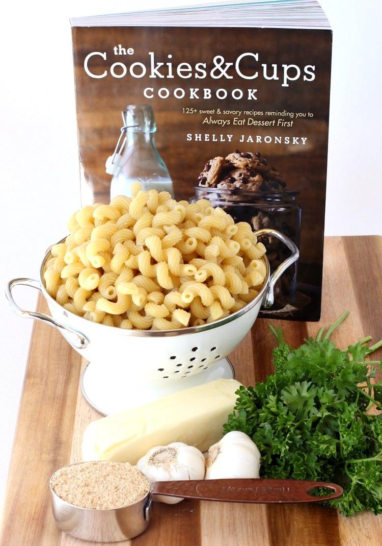 garlic-bread-pasta-process