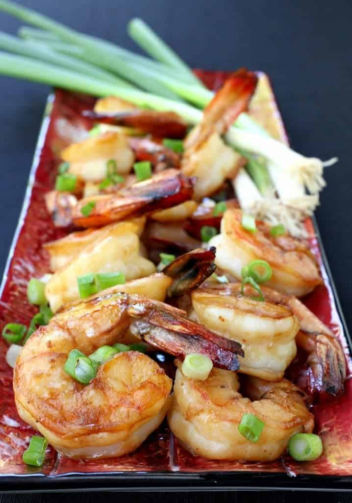 Shrimp cocktail Asian style on a red plate