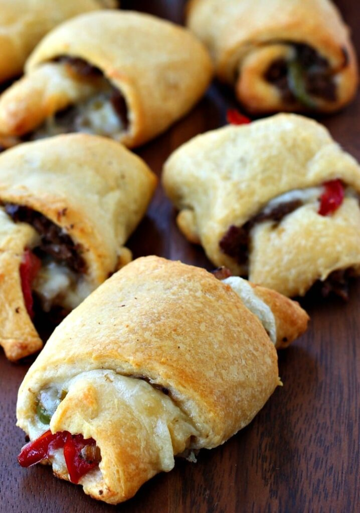 philly-cheesesteak-crescent-rolls-feature