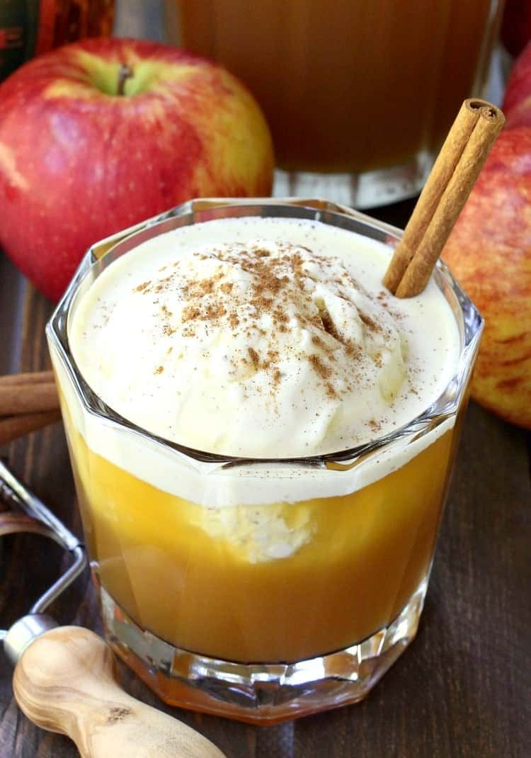 whisky-apple-pie-float-close