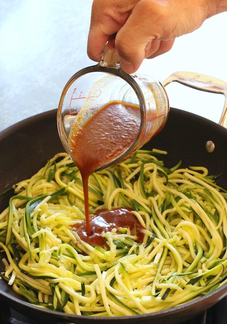 asian-zucchini-noodles-pour