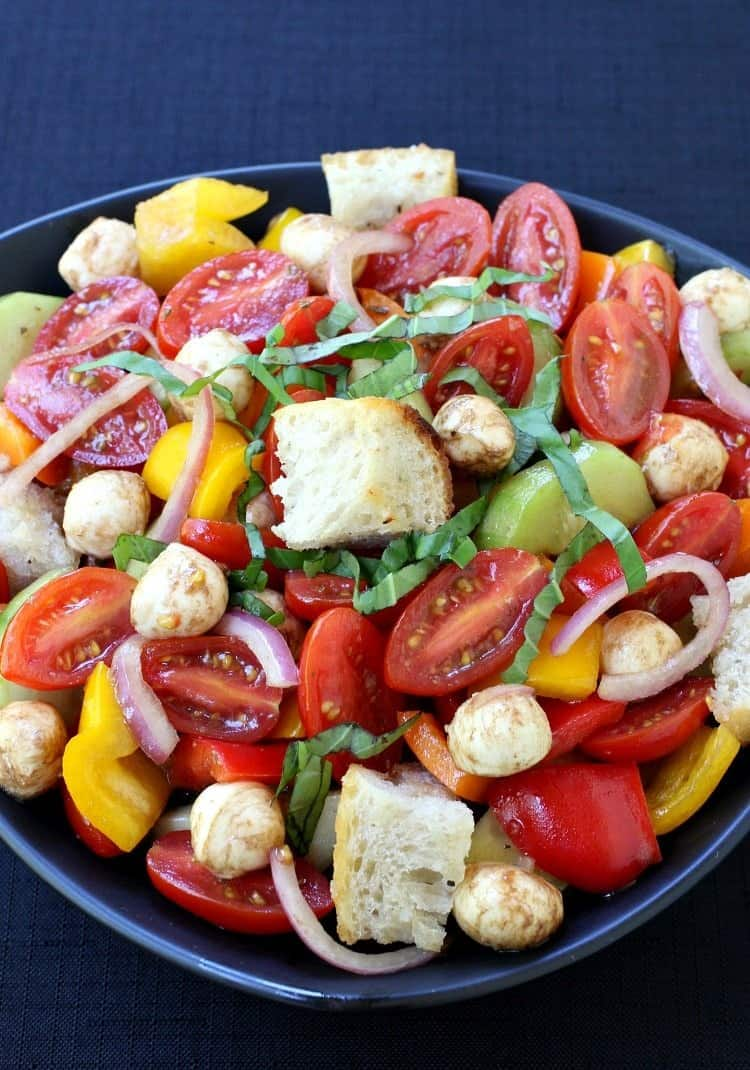 Panzanella Salad with Tomatoes and Cucumbers