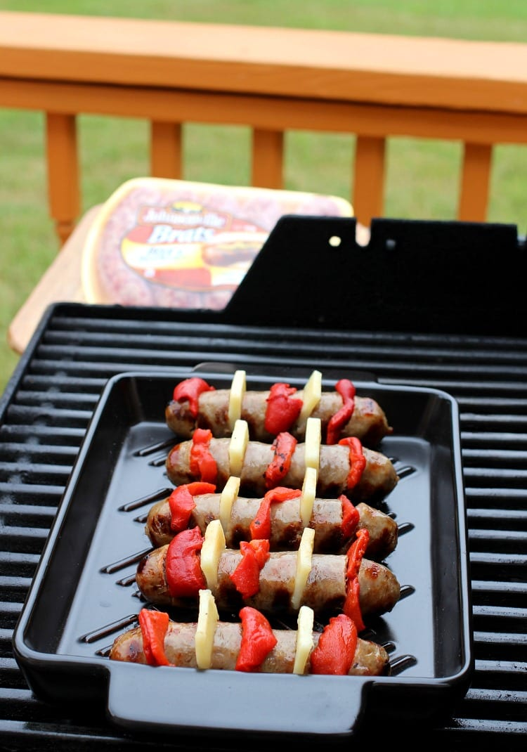 pepper-cheese-hasselback-brats-grill-pan