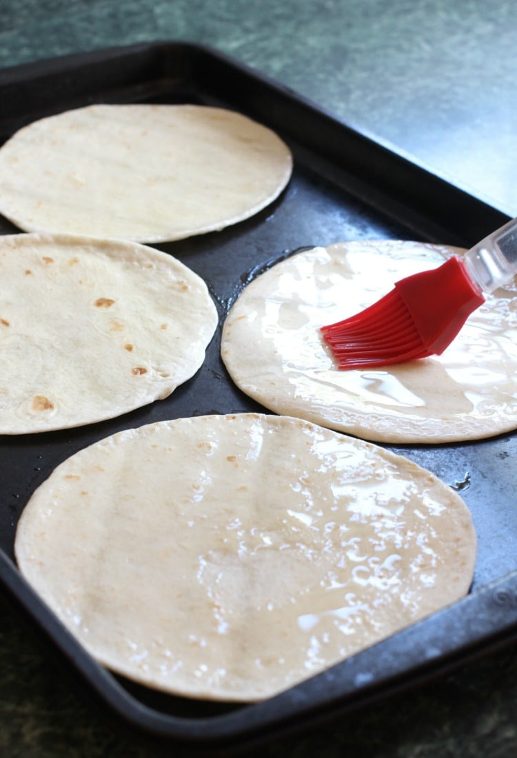 spicy-mexican-pizzas-tortillas