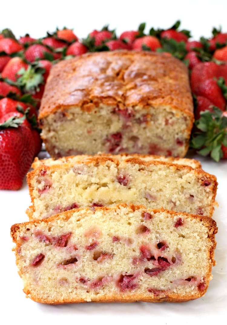 strawberry-rum-pound-cake-vert