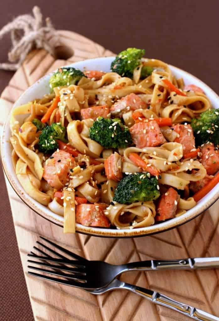 Make this Quick Salmon Noodle Bowl instead of ordering take out!