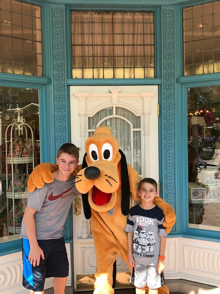 Eating Our Way Through Disney, Pluto