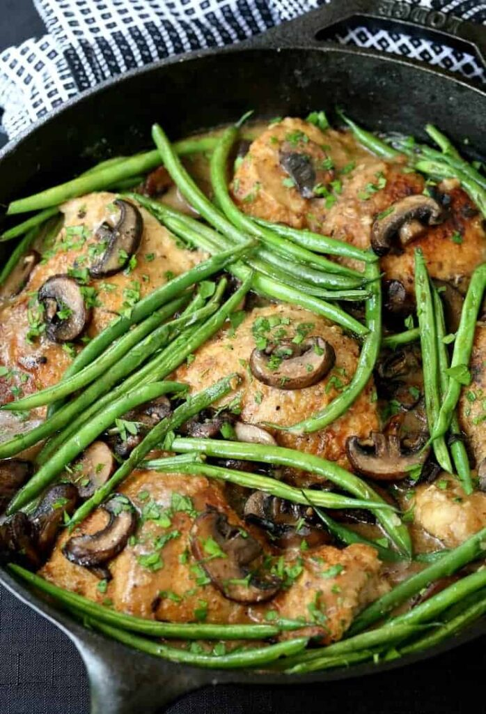 Skillet Chicken Thighs with Green Beans and Mushrooms, one pan