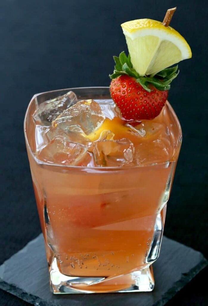Kentucky Sunset Cocktail with Bulleit Bourbon and garnish