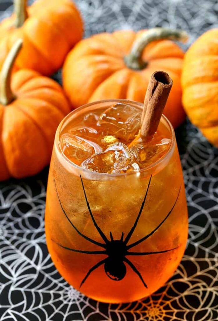 Pumpkin Spice Wine Spritzer | Halloween Cocktail Recipe