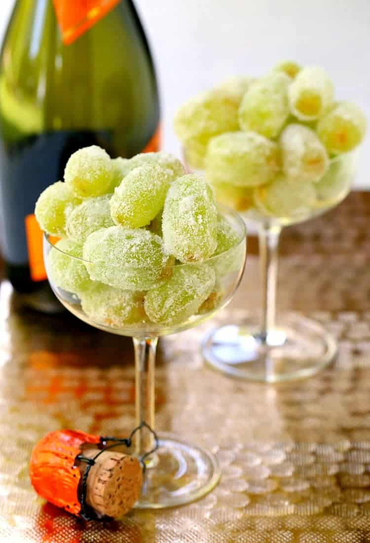 Make these Sugared Prosecco Grapes for an easy party dessert!