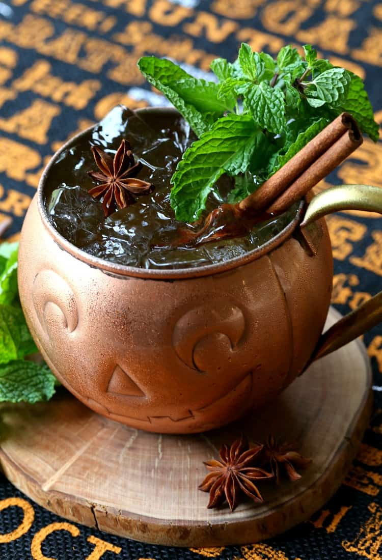 This Pumpkin Moscow Mule is made with pumpkin vodka to keep it in the Halloween spirit!