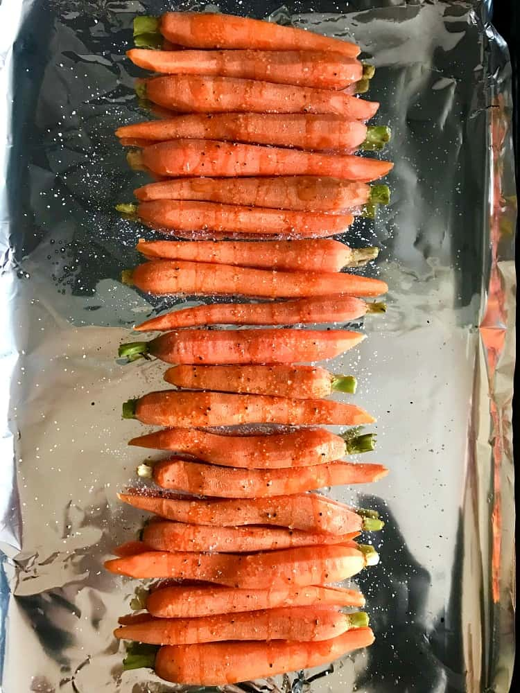 Roasted carrots on s sheet pan