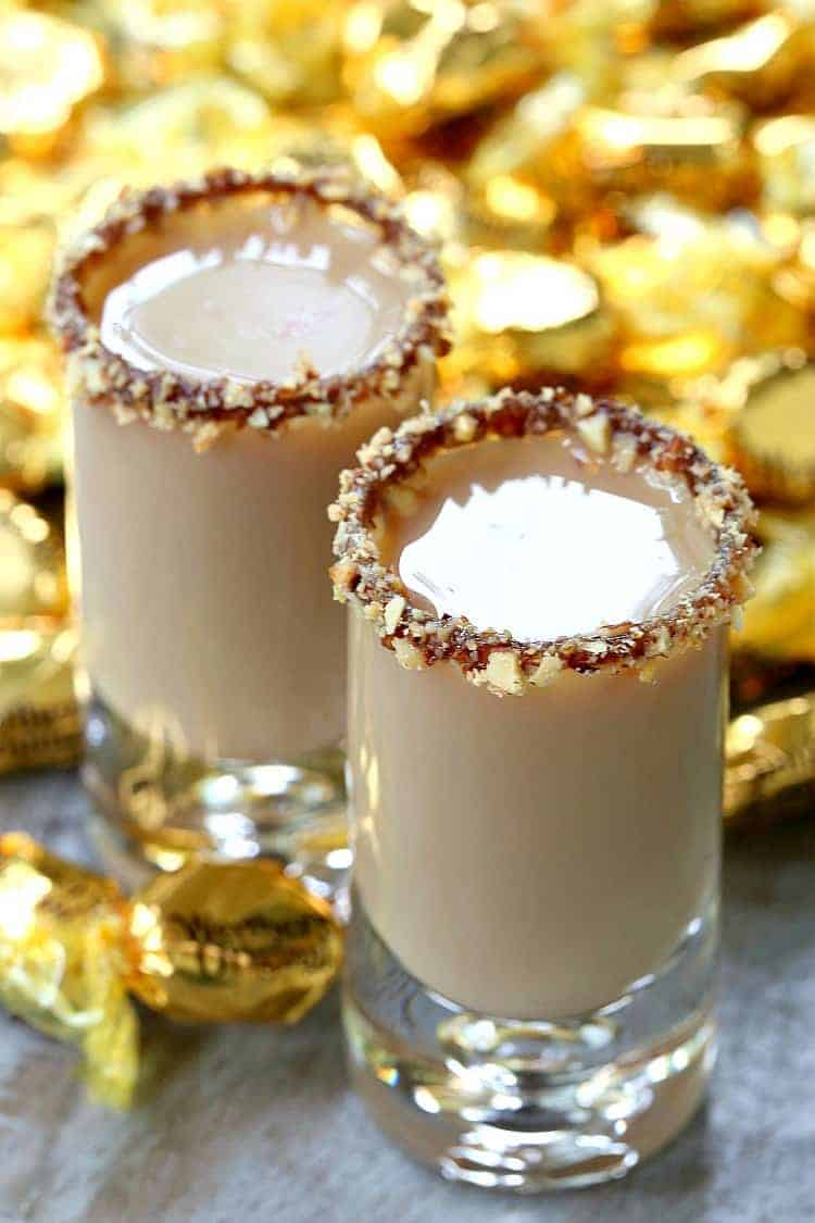 Make this Chocolate Toffee Crunch Shot at happy hour, for New Year's Eve or after dinner for a dessert cocktail! I love a good dessert cocktail! #newyears #shots #toffee