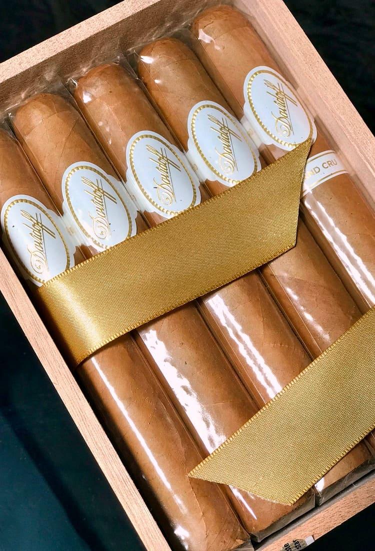 cigars in box