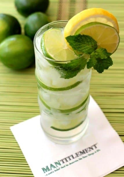 This Tequila Limeade is a refreshing tequila and seltzer cocktail that can be made in seconds! Fresh mint is what really sets this tequila drink apart! #tequila #cocktails