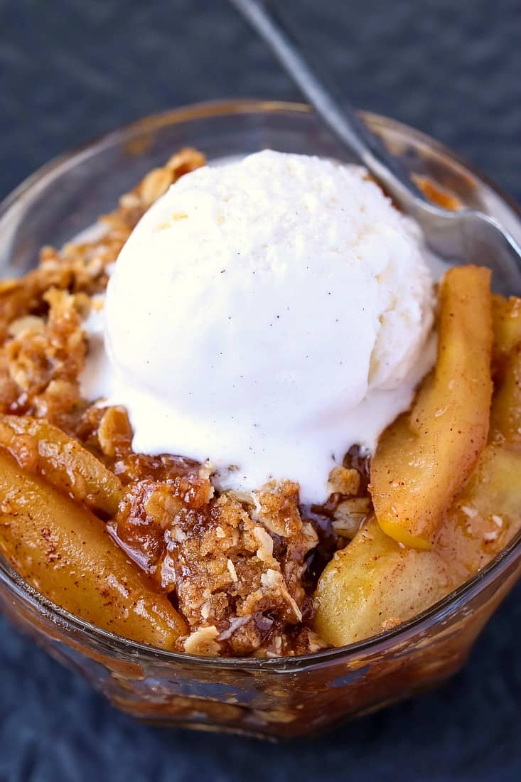 This Easy Apple Crisp Recipe is an apple dessert served with ice cream