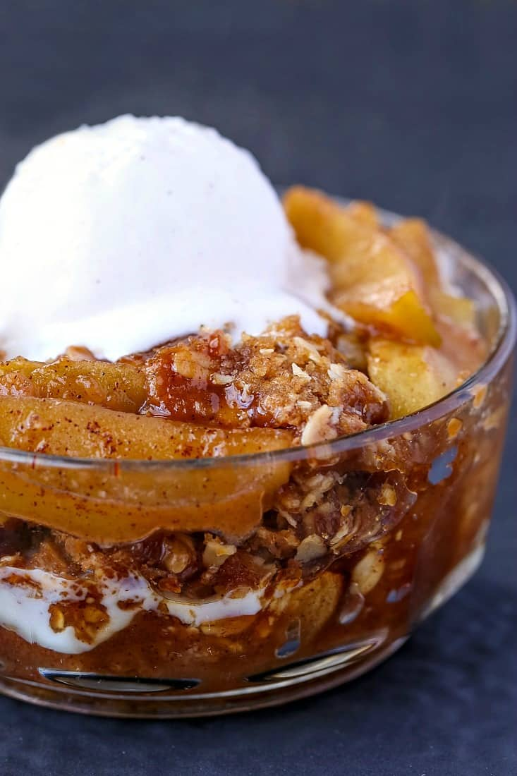Easy Apple Crisp is an apple recipe served with ice cream