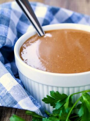 Brown Gravy Recipe is a gravy recipe made without drippings and beef broth