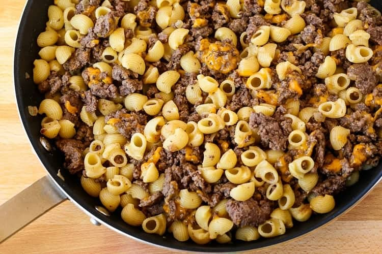 Cheeseburger Pasta Recipe for an easy dinner idea