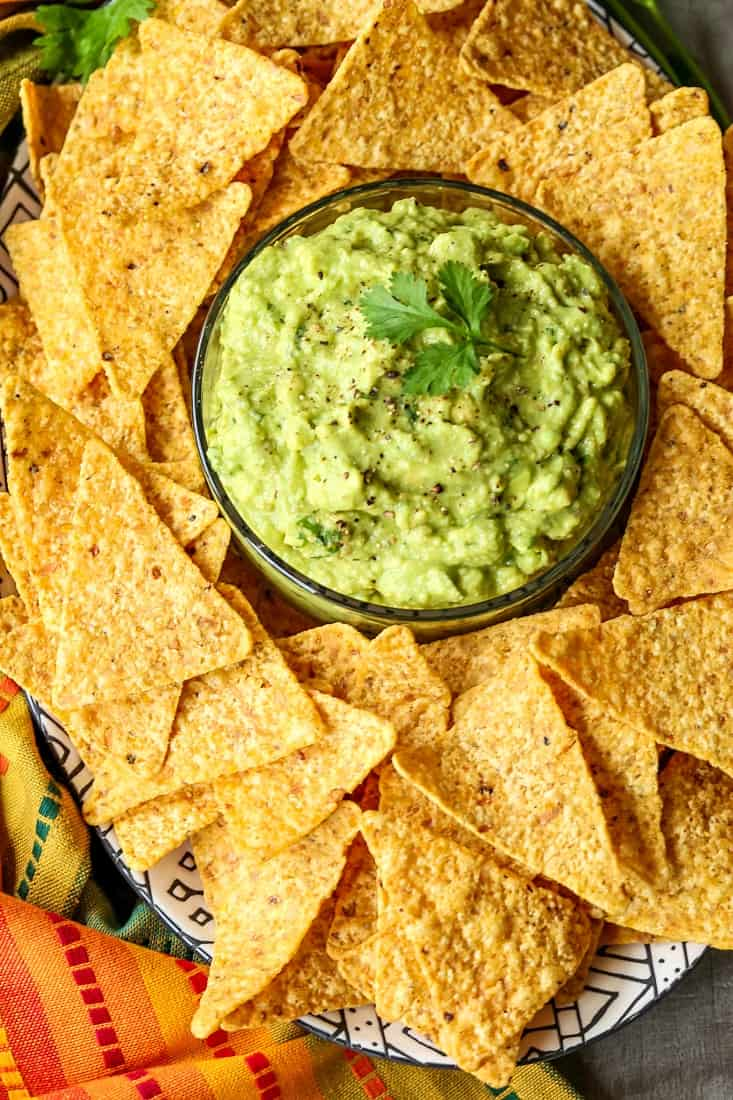 Easy guacamole recipe with chips