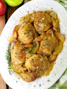 chicken thigh recipe with apple cider gravy