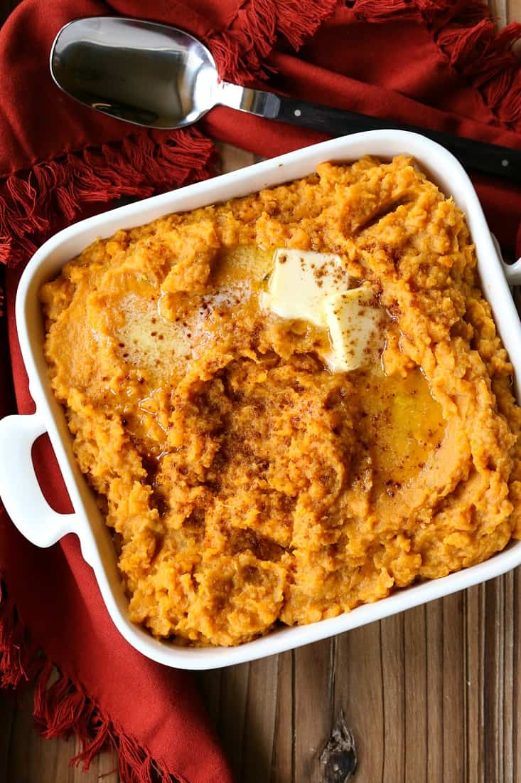 Mashed sweet potatoes with butter and cinnamon
