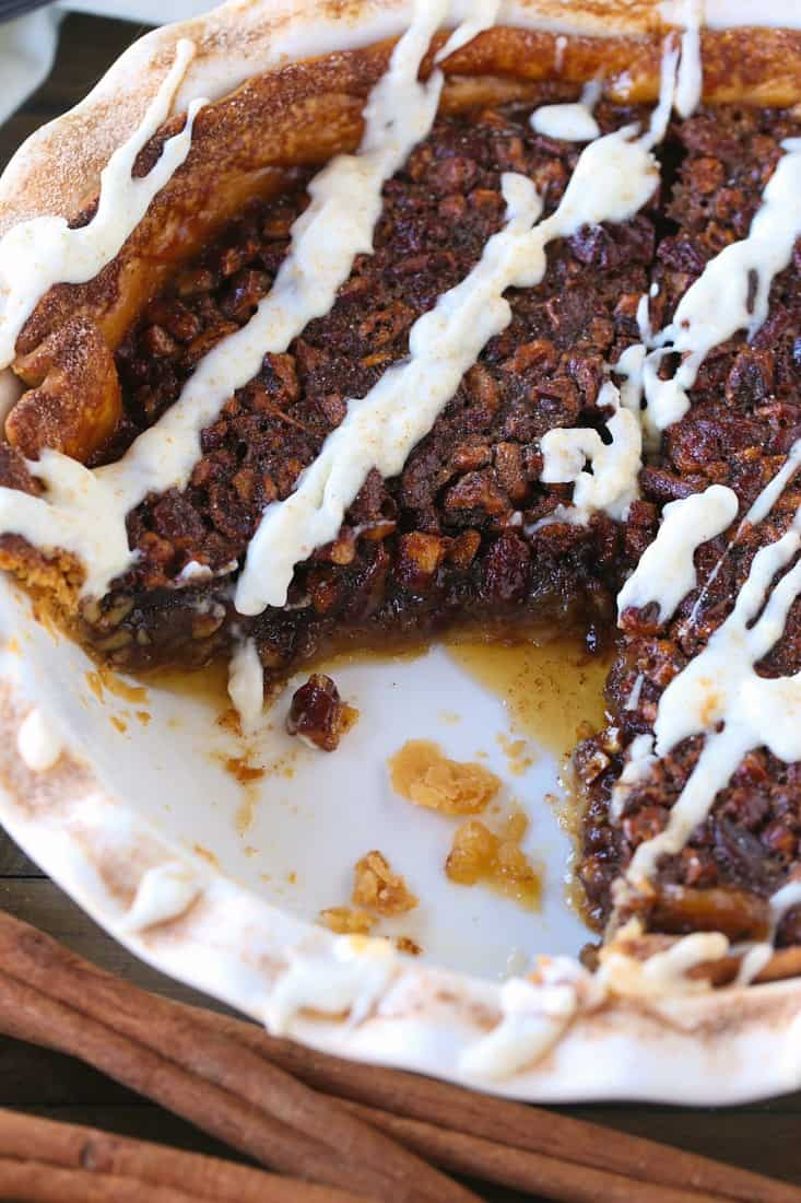 Cinnamon Roll Pie for holiday desserts