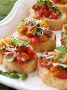 bruschetta recipe on toasts