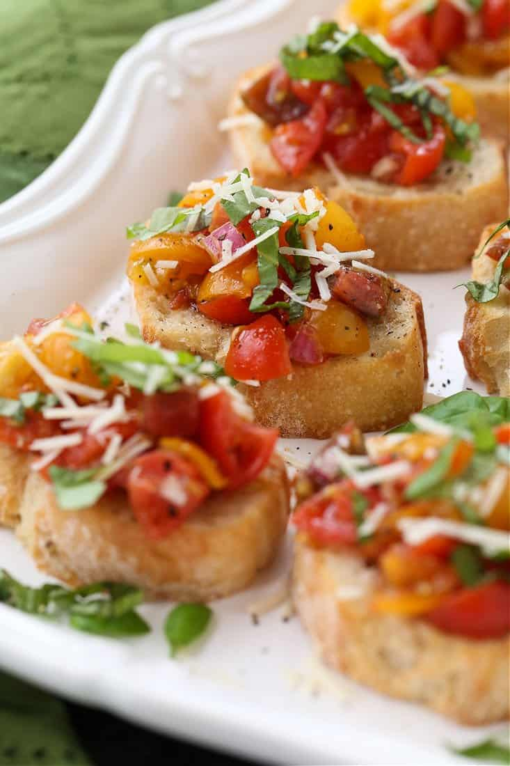 bruschetta recipe on toasts