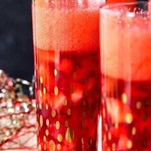 gelatin dessert made with champagne and strawberries