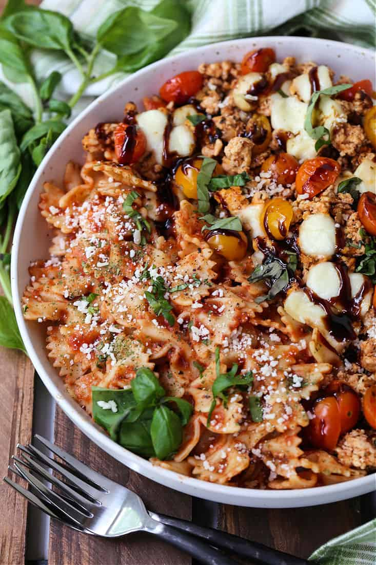 a dinner recipe with ground chicken, fresh mozzarella cheese and tomatoes