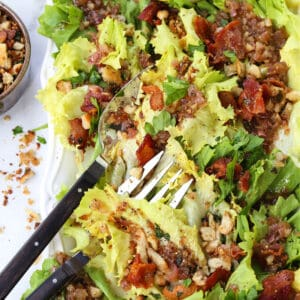 Escarole salad with bacon and fresh breadcrumb topping
