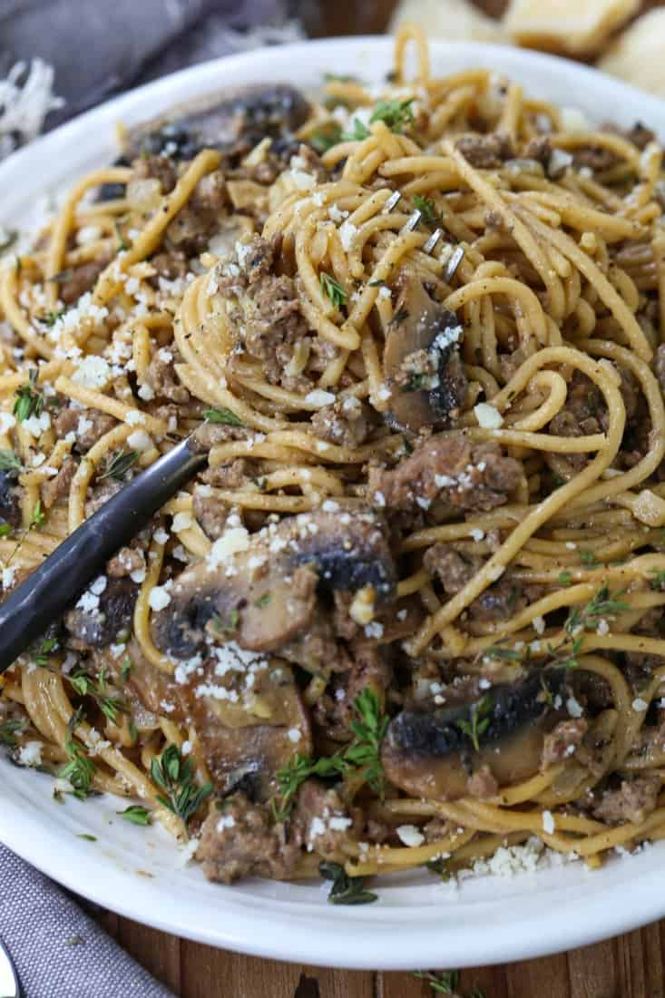Spaghetti recipe with ground beef, mushrooms and fresh thyme